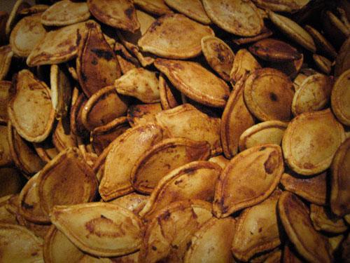 a bunch of pumpkin seeds